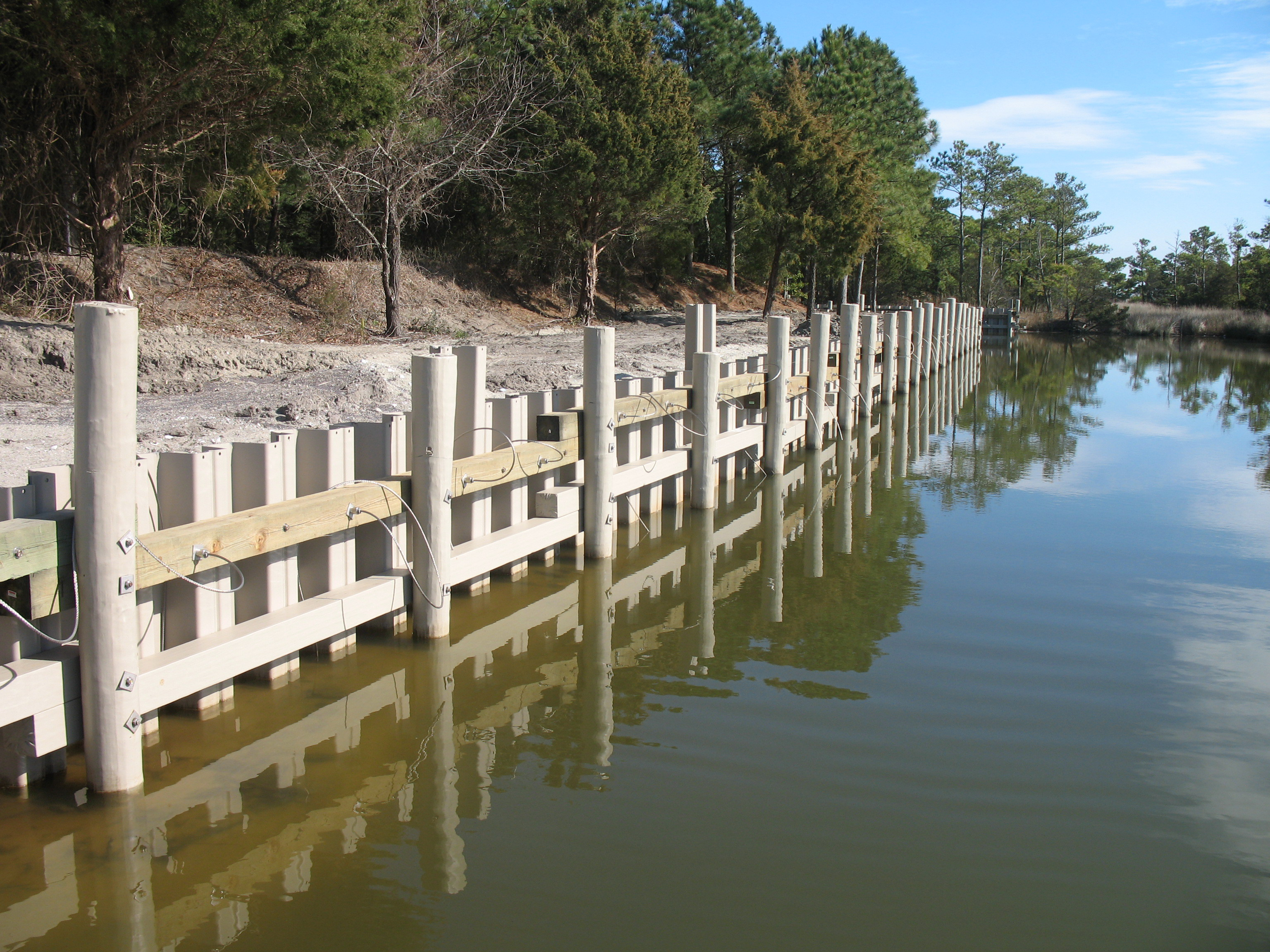 Vinyl Sheet Piling for Sea Wall – USA - Secured with Platipus B6 anchors